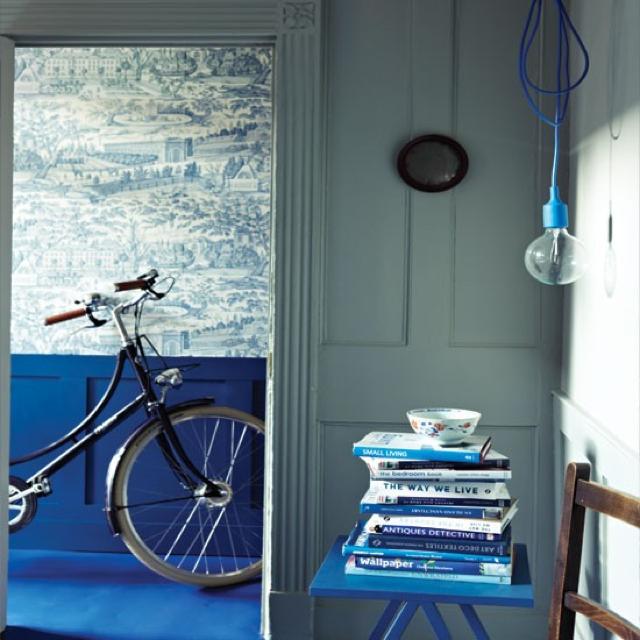Modern-blue-hallway